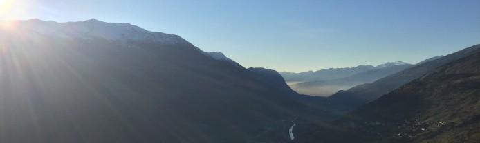 Blick übers Rhonetal mit dem Naturpark Pfyn-Finges