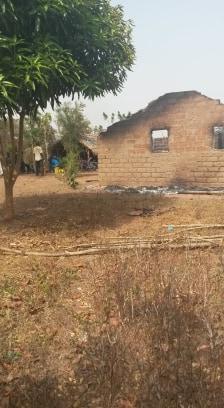 Häuser, Hab und Gut, alles verbrannt